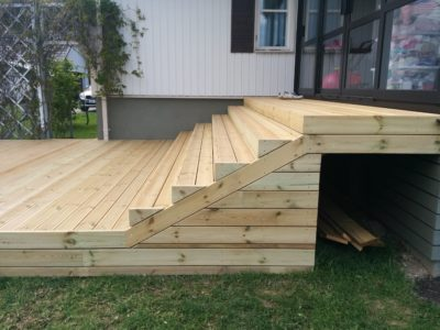 Terrassi alla panipaik muruniidukile Rapla
