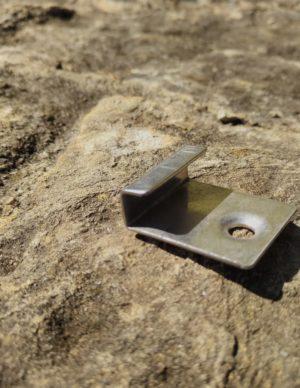 Terrassilaua kinnitus-klamber plastlauale algus
