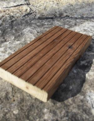 Terrassilaud immutatud pruun