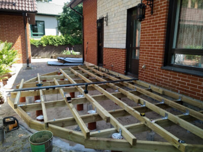 Terrass.ee terrassi ehitus terrassi karkassi pruss 50×100 ja 50×150 kaarjas Laagri 2021.1